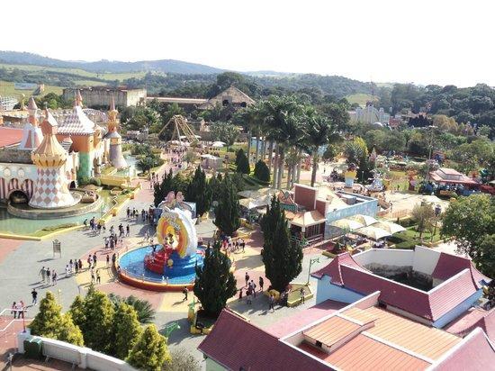 Parque é praticamente uma pequena cidade (Foto: Divulgação)
