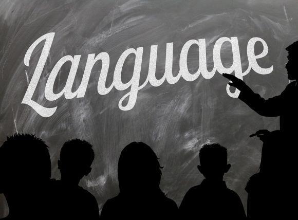 Através do Centro de Estudo de Línguas, milhares de alunos de escolas públicas podem aprender um novo idioma (Foto Ilustrativa)
