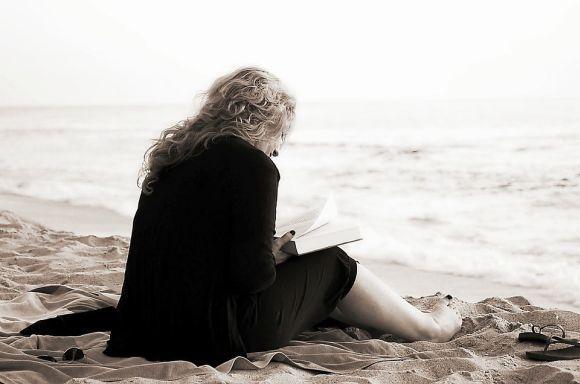 O livro costuma ser um grande companheiro das pessoas (Foto Ilustrativa)