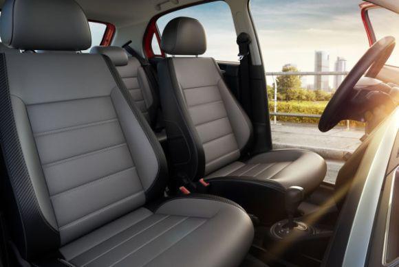 Motorista e passageiros ganham mais conforto na linha 2017 do Gol e do Voyage (Foto: Divulgação Volkswagen)