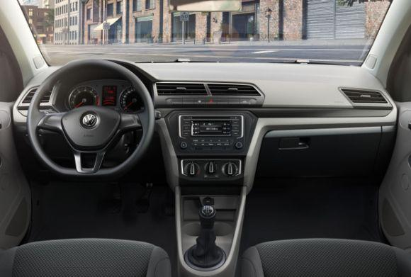 Ambos os modelos ganharam novos painel e quadro de instrumentos (Foto: Divulgação Volkswagen)