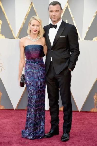 Liev Schreiber, ao lado de Naomi Watts (Foto: Reprodução EGO)