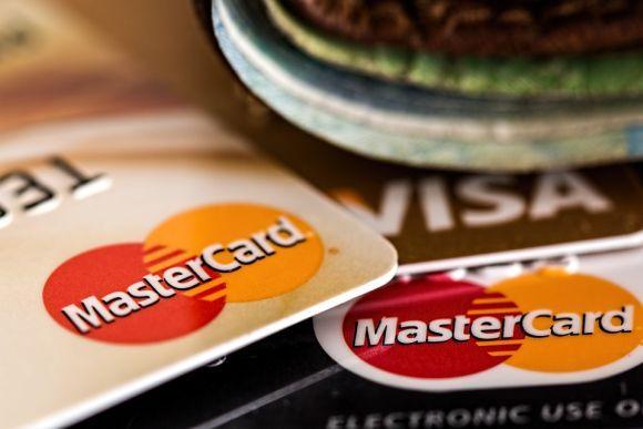 Para participar, você deve pagar suas compras com um dos cartões Bradesco participantes (Foto Ilustrativa)