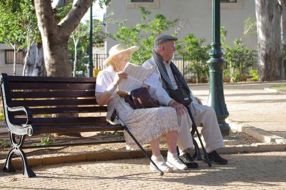 Mais de 300 mil aposentados e pensionistas podem ter direito a essa revisão do INSS (Foto Ilustrativa)