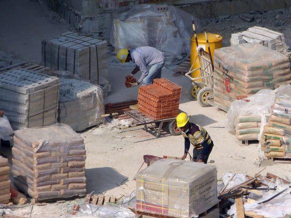 Os trabalhadores da construção civil devem ser treinados para evitar desperdícios (Foto Ilustrativa)