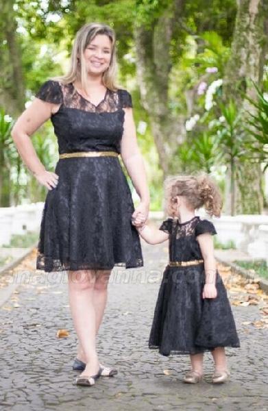 Os vestidos mãe e filha permitem combinar o look de uma forma interessante (Foto: Divulgação Ana Giovanna Moda Infantil Feminina)
