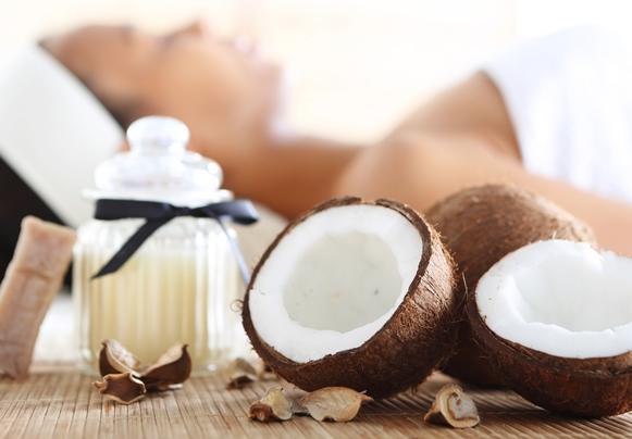O óleo de coco também oferece benefícios para a pele. (Foto Ilustrativa)