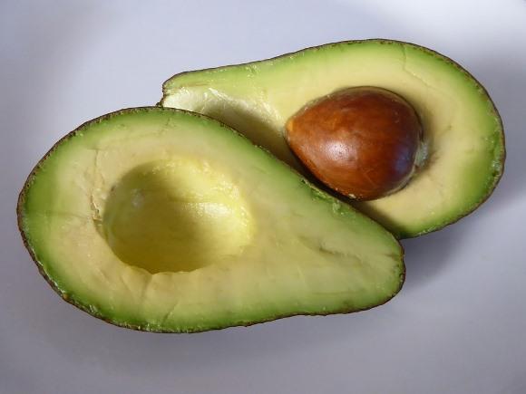 O abacate é um ótimo ingrediente para hidratar o cabelo. (Foto Ilustrativa)