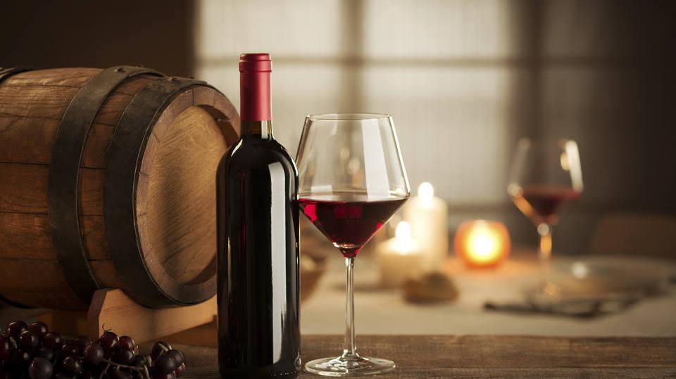 Que tal um bom vinho para acompanhar? (Foto: Exame/Abril)