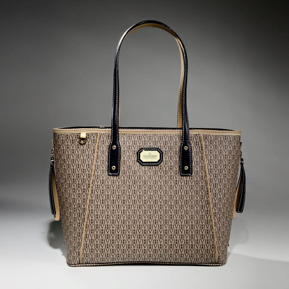 Preços variam de acordo com os modelos de bolsas (Foto: Reprodução/ Oficial Victor Hugo)