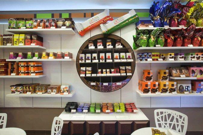 Lojas recebem mais clientes em épocas como a Páscoa  (Foto: Exame/Abril)