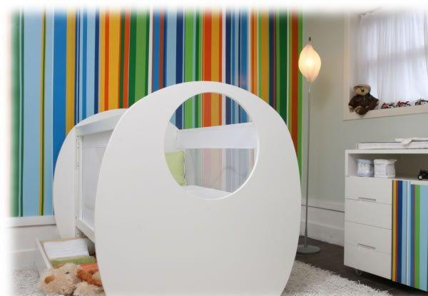 Adesivos de parede coloridos para decorar o quarto se gastar (Foto: Mdemulher)