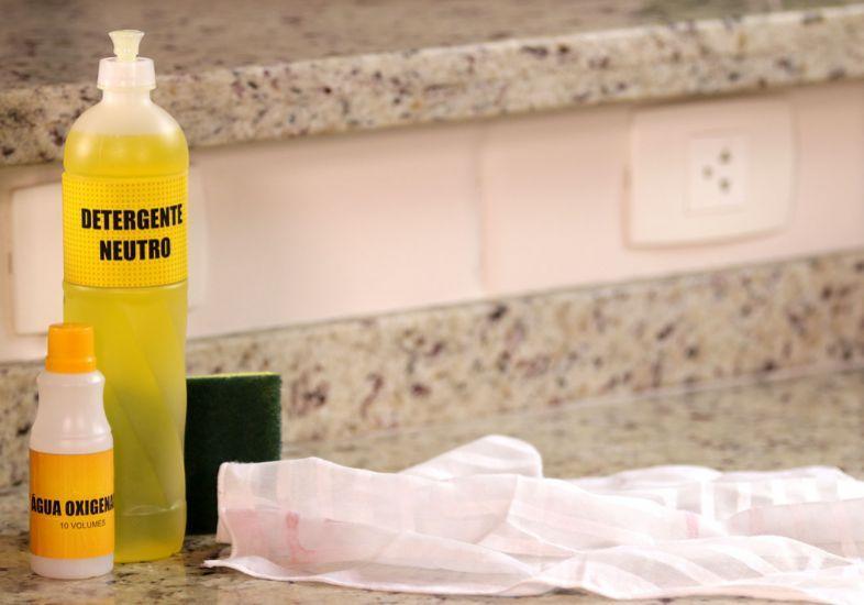 Cuidado com os produtos de limpeza (Foto: Reprodução/M de Mulher)