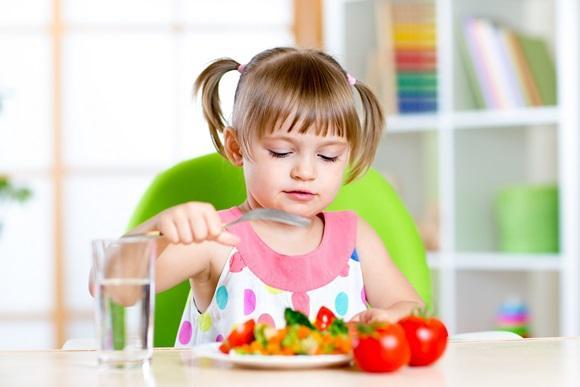 Estimule a alimentação saudável do seu filho. (Foto Ilustrativa)