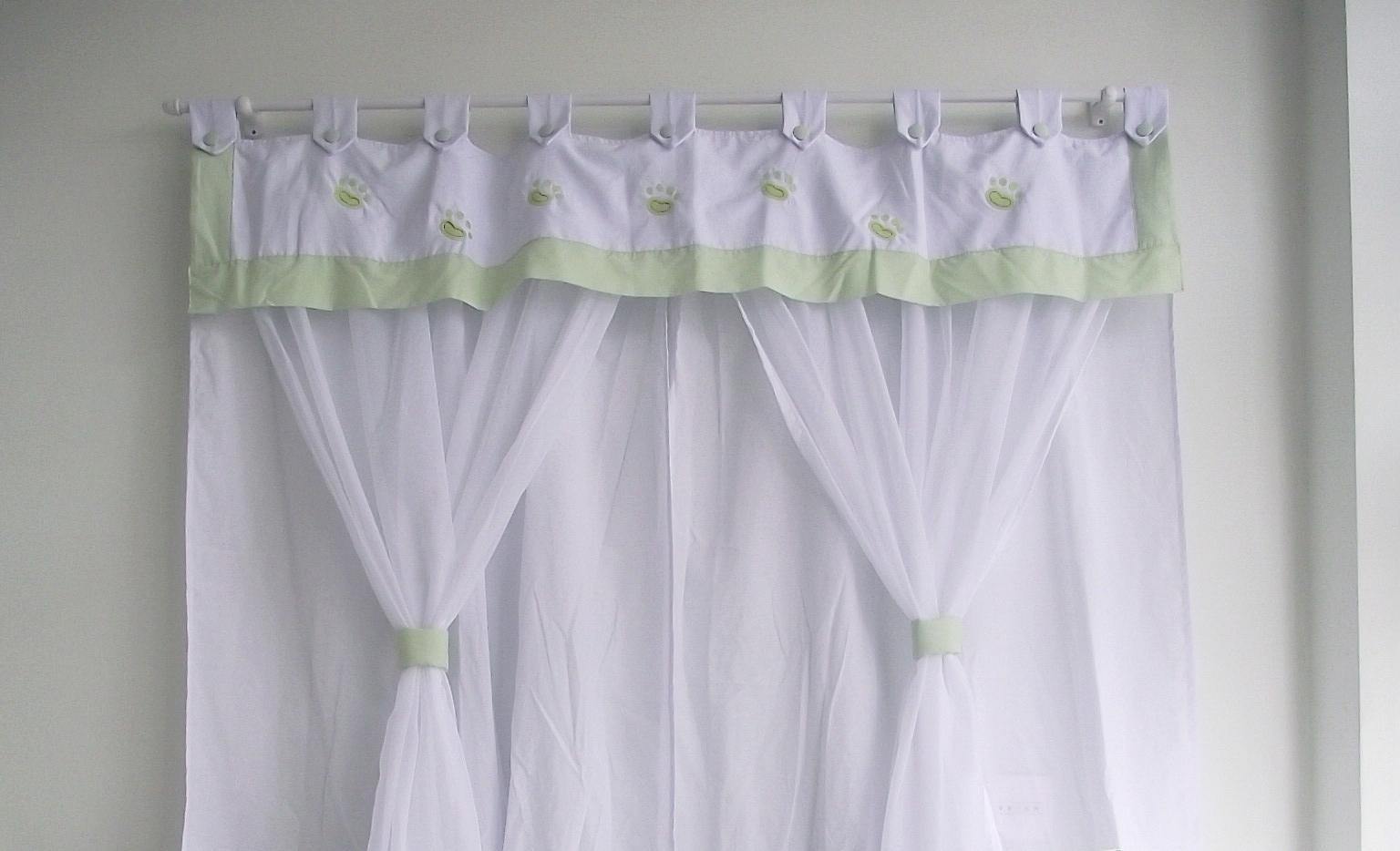 Tem vários tipos de tecidos de cortina (Foto: Reprodução/Elo7)
