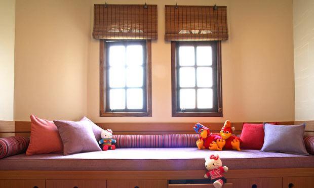 Cortina para janelas diferentes  (Foto: M de Mulher/Abril)