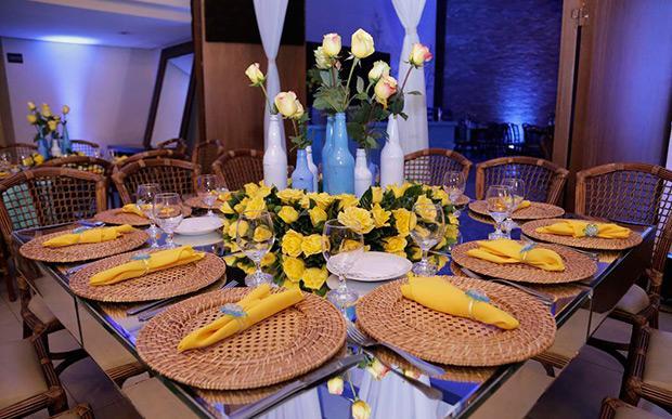 Mesas de festa para 15 anos (Foto: Capricho/Abril)