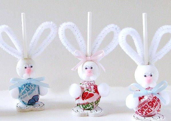 Já imaginou um coelho cheio de doces? Fica a sugestão de cesta  (Foto: Reprodução/Elo 7)