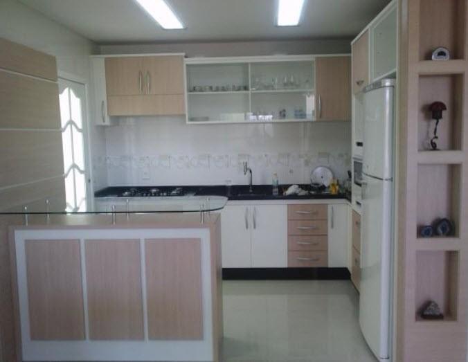 Cozinha Planejada é ótima saída para casas e apartamentos pequenos (Foto: Designer de Interiores Org)