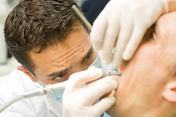 Primeiro o dentista faz um molde dos dentes. (Foto Ilustrativa)