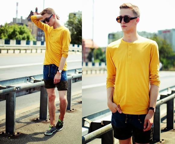 Camiseta de manga comprida + bermuda curta.