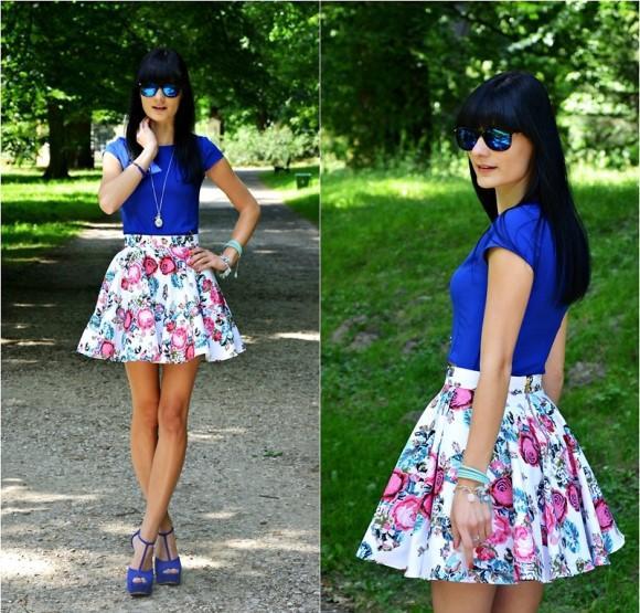 Saia floral curta + blusa azul. (Foto Ilustrativa)