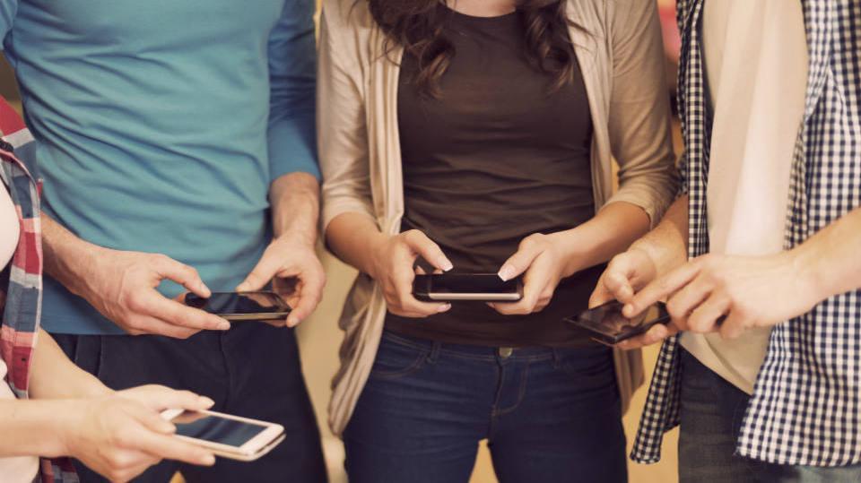 Empresa vendem diversos celulares com seus planos (Foto: Exame/Abril)
