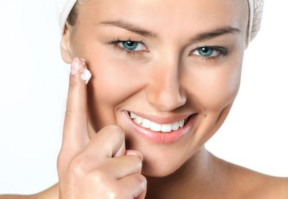 Cosméticos vencidos podem causar irritação de pele. (Foto Ilustrativa)