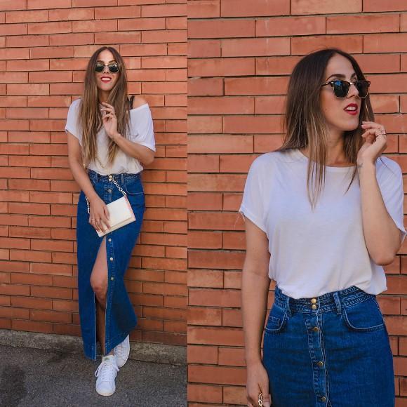 Saia jeans longa com botão na frente. (Foto Ilustrativa)
