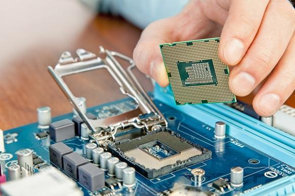 Manutenção e suporte à informática é uma opção de curso. (Foto Ilustrativa)