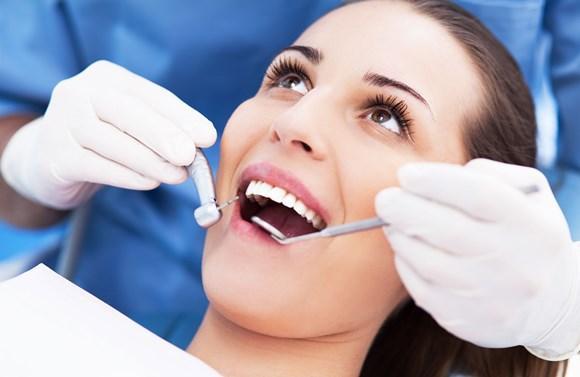 Vá ao dentista pelo menos uma vez por ano. (Foto Ilustrativa)