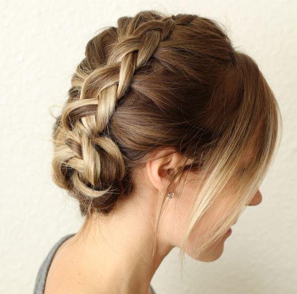 Lembre-se de aplicar spray para fixar melhor o penteado. (Foto: Reprodução/ Abeautifulmess)