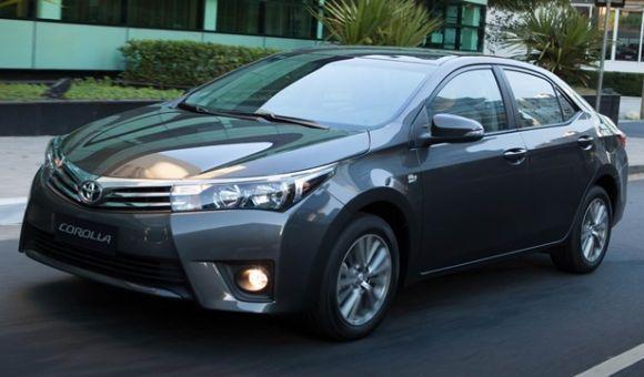 O Corolla também aparece bem no ranking de vendas de carros (Foto: Divulgação Toyota)