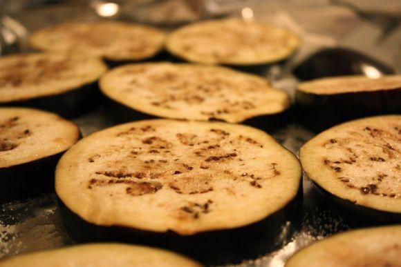 A berinjela pode ser consumida de várias formas (Foto Ilustrativa)