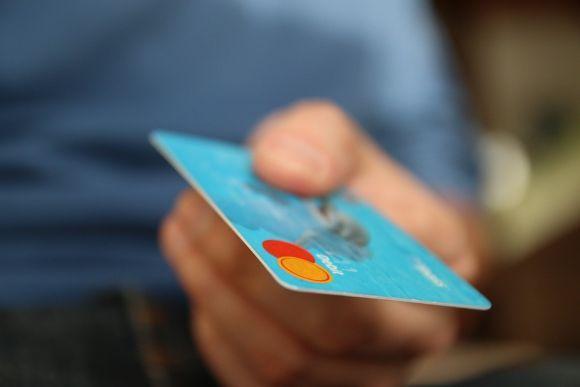 Antes de passar seus dados e efetuar pagamentos, confira se não está caindo em um golpe (Foto Ilustrativa)