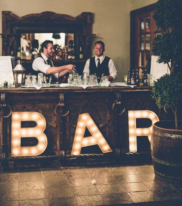 Bar da festa. (Foto: Reprodução/Wedding Party)