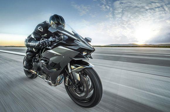 A Ninja H2R foi desenvolvida para rodar nas pistas (Foto: Divulgação Kawasaki)