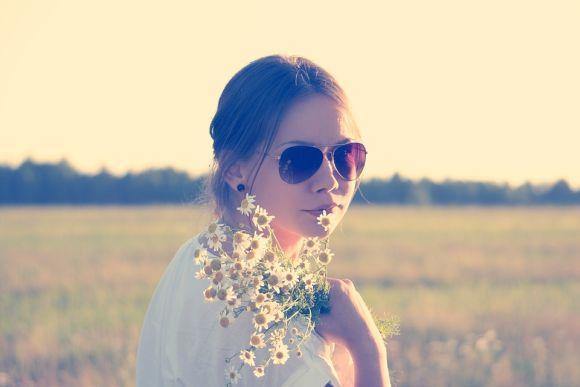 Os óculos estilo aviador são outra grande atração entre as mulheres (Foto Ilustrativa)