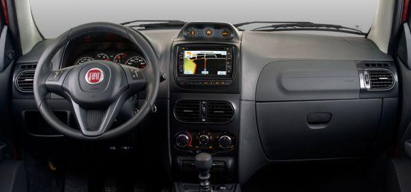 A versão Extreme tem sistema multimídia com tela de 6,2 polegadas (Foto: Divulgação Fiat)