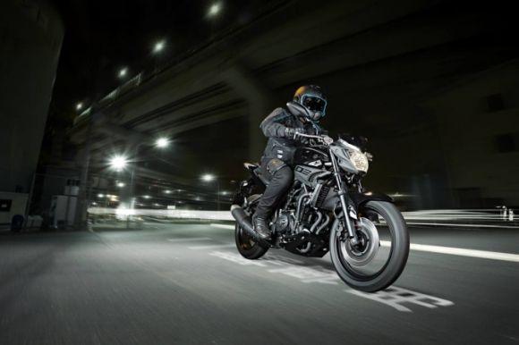 A MT-03 traz um visual moderno e agressivo (Foto: Divulgação Yamaha)