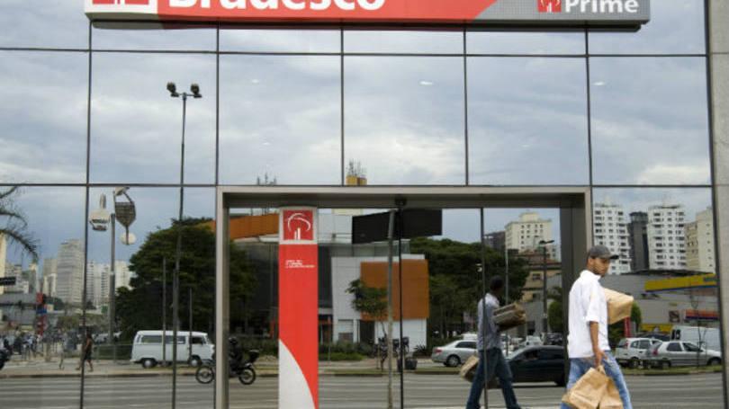 Ligue para central de atendimento para conseguir a segunda via da fatura do Bradesco (Foto: Exame/Abril)