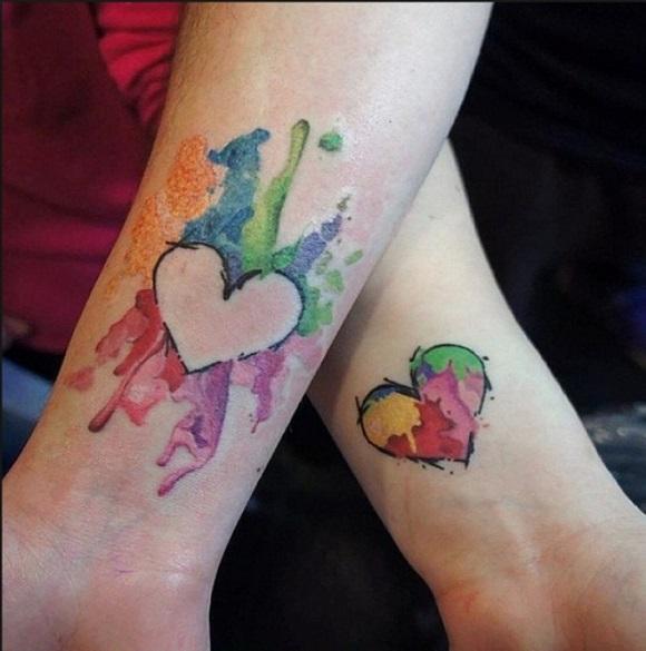 Tatuagem que se completa. (Foto Ilustrativa)