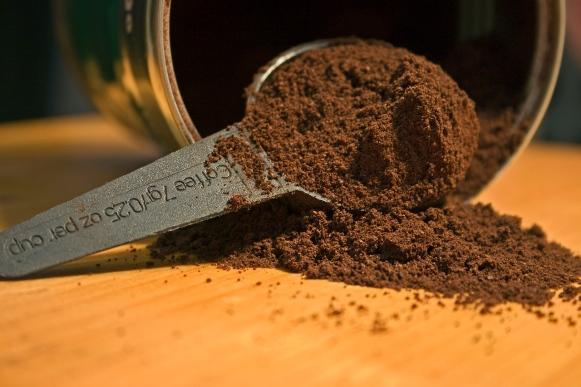 O pó torrado do café pode ser usado para esfoliar a pele. (Foto Ilustrativa)