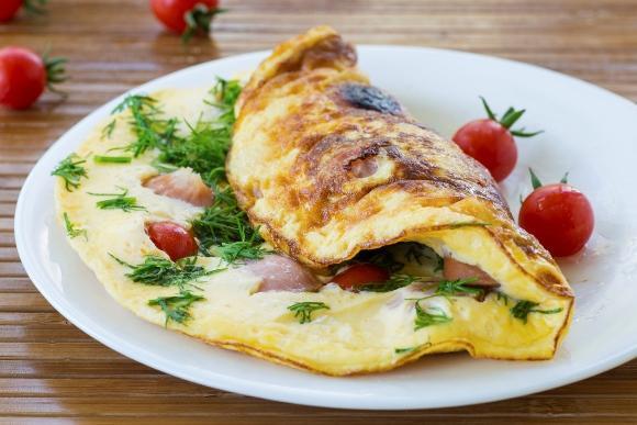 O preparo da omelete é rápido e fácil. (Foto Ilustrativa)