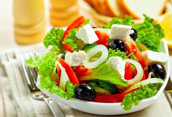 Aposte em alimentos saudáveis e com poucas calorias. (Foto Ilustrativa)