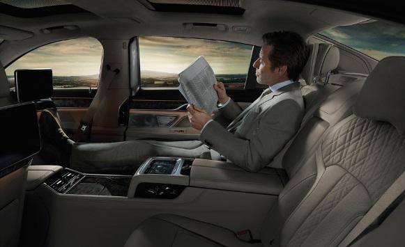 Novos recursos tecnológicos estão tomando conta dos carros de luxo. (Foto: Reprodução/Allthecars)