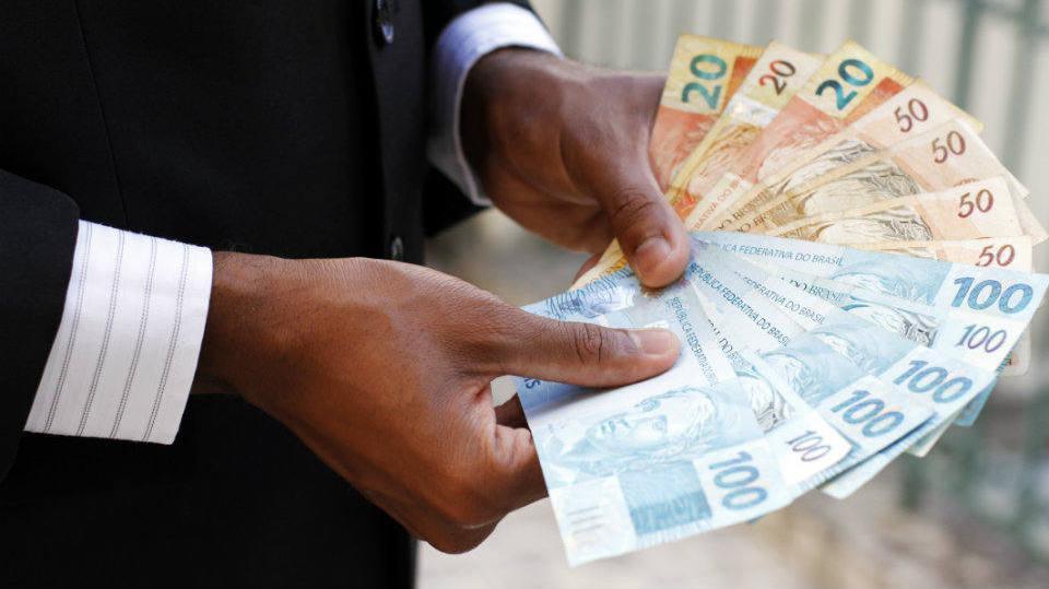 Empréstimo no BNDES serve para investimento em empresas (Foto: Exame/Abril)