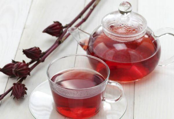 Chá delicioso de hibisco é termogênico (Foto: Divulgação)