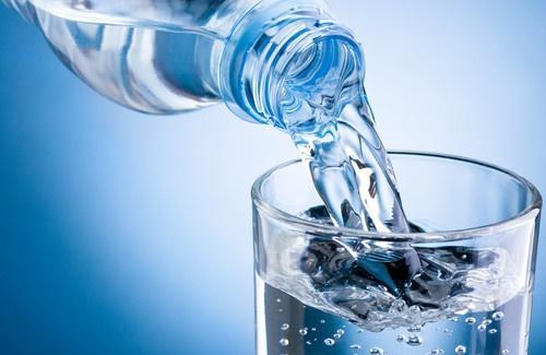 Aposte no consumo de água gelada sempre que puder para acelerar o metabolismo (Foto: Divulgação)