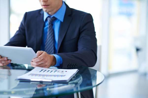 Fique atento as normativas da legislação sobre a carga horária de trabalho. (Foto: Reprodução)
